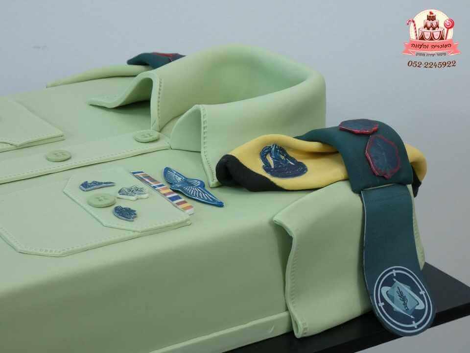 חולצה צבאית מקרוב | עוגות מעוצבות למבוגרים | דורית יחיאל הסוכריה והעוגה