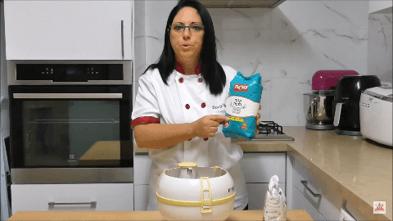 טיפ לעיצוב עוגות - למה חשוב לנפות קמח? | דורית יחיאל