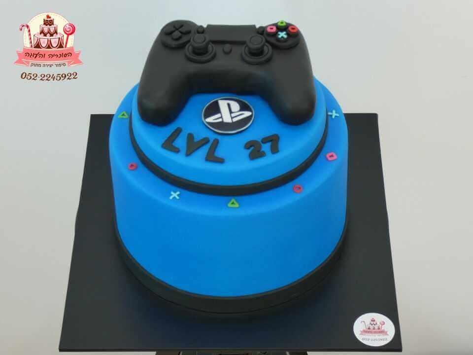 עוגה בעיצוב שלט פלייסטיישן | עוגות מעוצבות למבוגרים | דורית יחיאל הסוכריה והעוגה