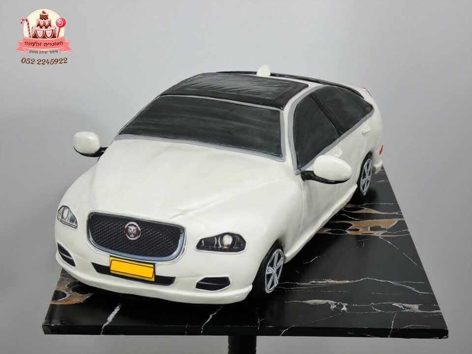 עוגה בצורת מכונית יגואר מקדימה | עוגות מעוצבות למבוגרים | דורית יחיאל הסוכריה והעוגה