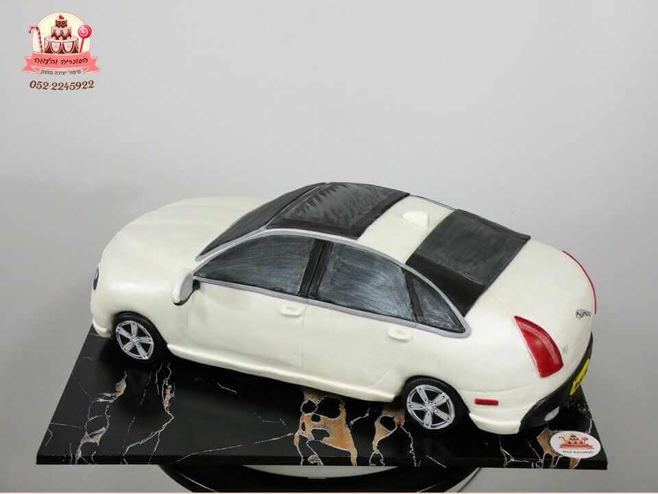עוגה בצורת מכונית יגואר | עוגות מעוצבות למבוגרים | דורית יחיאל - הסוכריה והעוגה