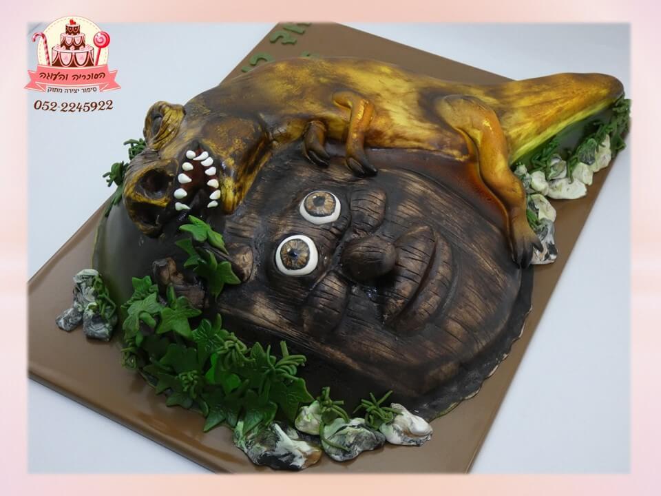 עוגה מעוצבת דו מיימדי דינוזאור והעץ המדבר מרוי בויי