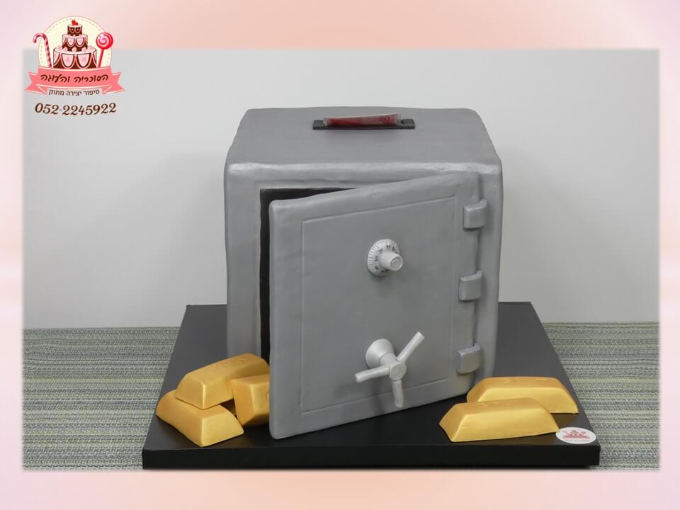 עוגה מעוצבת למבוגרים, עוגת בצק סוכר בצורת כספת עם שטרות כסף אמיתי ומטילי זהב - דורית יחיאל, קונדיטורית