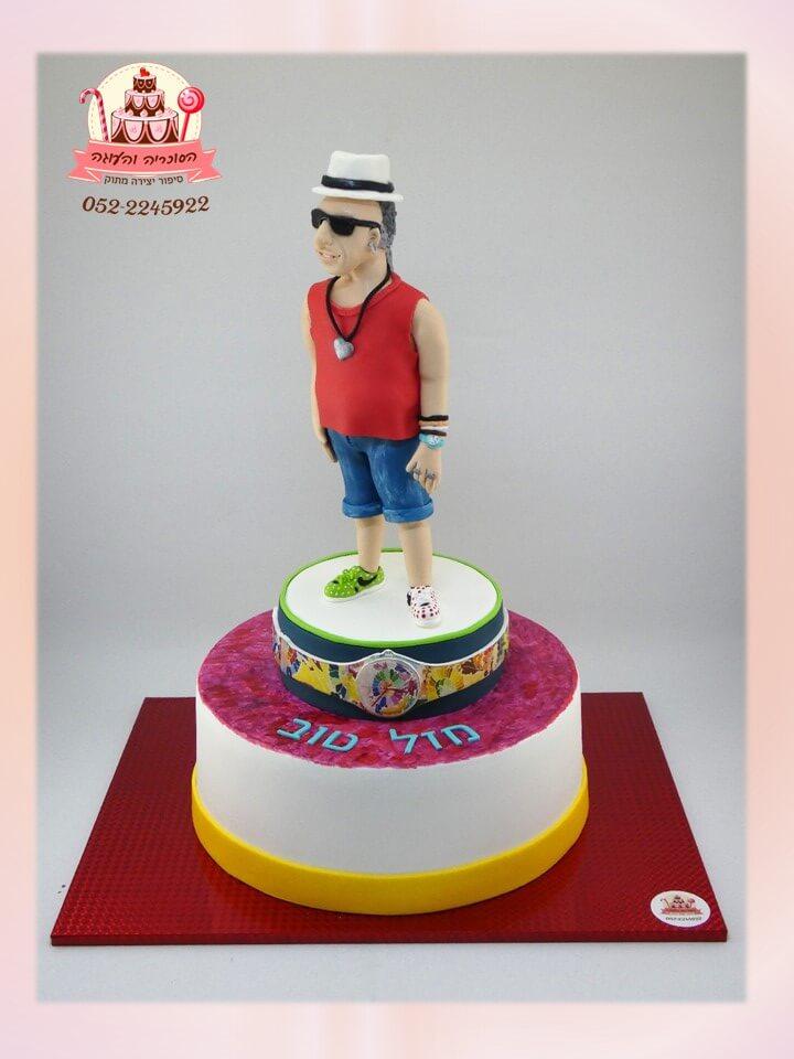 עוגה מעוצבת דמות ואלמנטים לפי תמונה