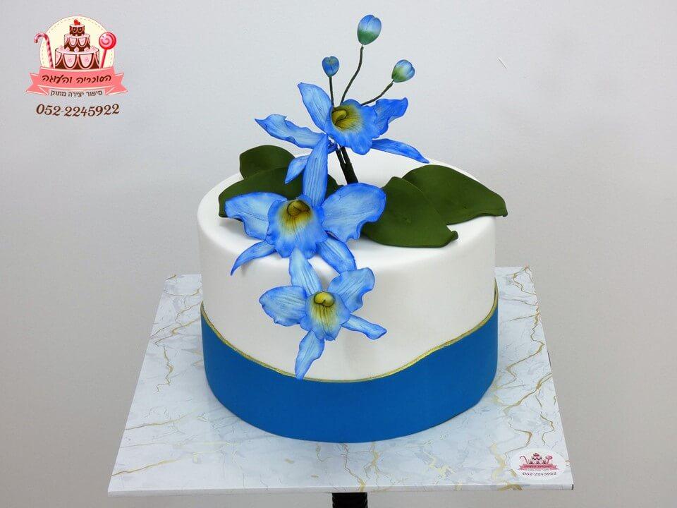 עוגה מעוצבת פרחי סחלב כחולים