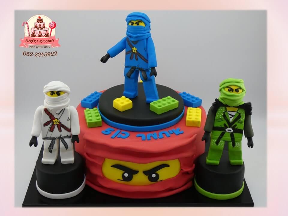 עוגה מעוצבת מבצק סוכר, 3 דמויות נינג'גו - הסוכריה והעוגה