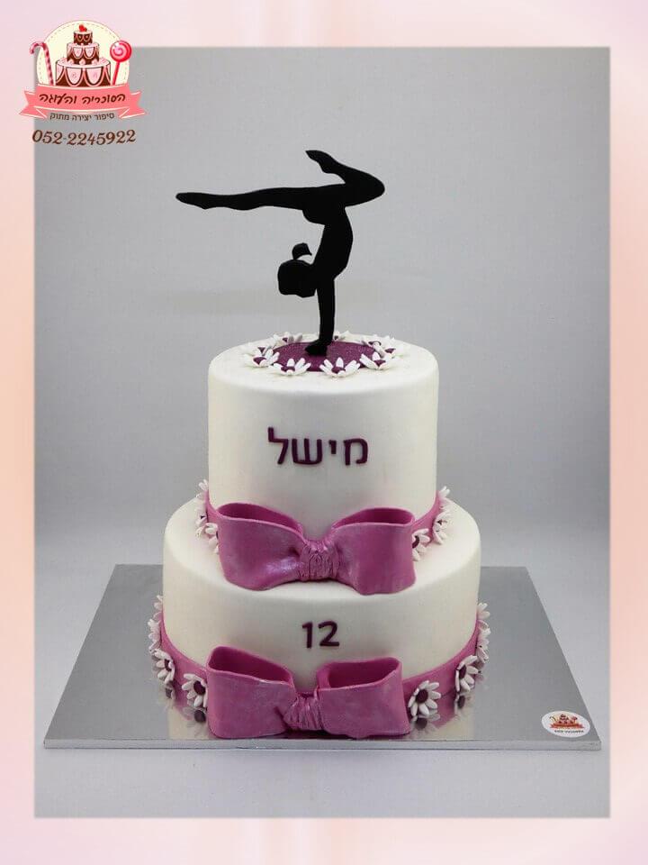 עוגת-בת-מצווש-2-קומות-צללית-מתעמלת