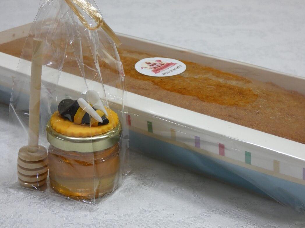 מתכון לעוגת דבש רכה ואוורירית - הסוכרייה