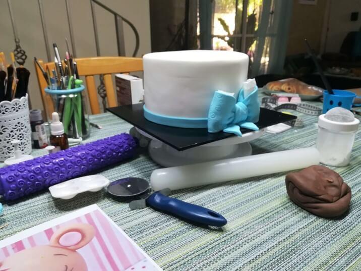 תמונות מסדנת בצק סוכר למתחילים - הסוכריה והעוגה דורית יחיאל