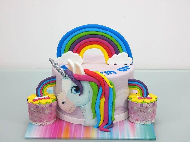 עוגת חד קרן ליום הולדת מבצק סוכר
