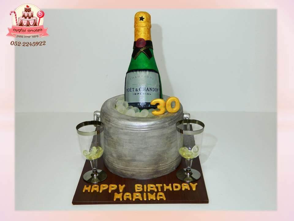 עוגת יום הולדת למבוגרים עם בקבוק יין | דורית יחיאל - הסוכריה והעוגה